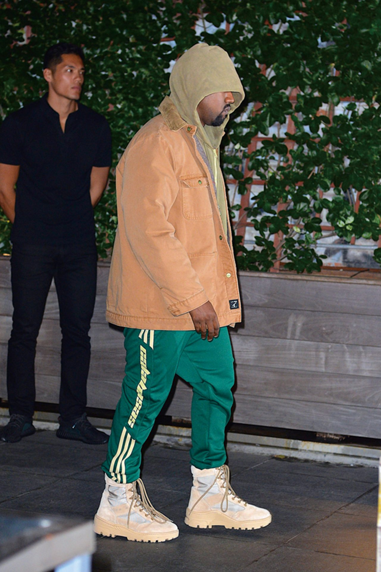 NEW YORK, NY - OCTOBER 04: Kanye West seen out and about in Manhattan on October 4, 2016 in New York City. (Photo by Robert Kamau/GC Images)